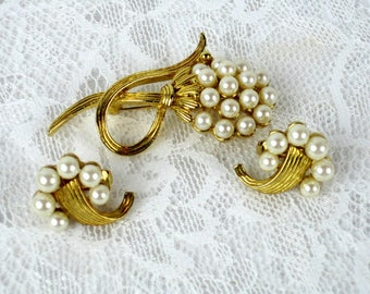Vintage Faux Pearl Gold Metal Brooch And Clip On Earring Set, Circa 1950s