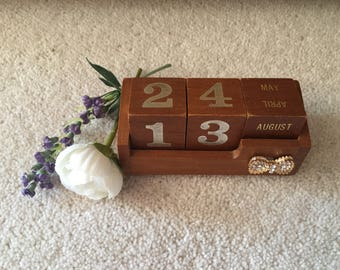 Up Cycled Wooden Block Calender with Bow Embellisment