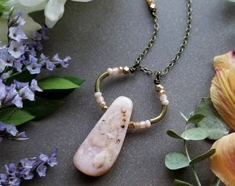 Pink Opal Loop Necklace in Brass >> Pale Pink Opal with Pink, Peach, and Brass Accents >> Boho Style, Gemstone Jewelry
