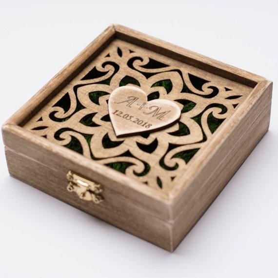 ringkissen hochzeitsring box aus holz ring box individuellen. Black Bedroom Furniture Sets. Home Design Ideas