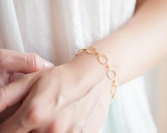Fine Bracelet, Minimalist Gold Bracelet, Minimalist Bracelet, Minimalist Jewelry, Dainty Gold Bracelet, Gifts for Her, Gift for Girlfriend