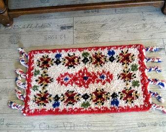 Hand Woven Wool Rug Vintage Wool Textile Art Hand Made Wool Rug Fringed wool rug White and red rug Wool carpet Woolen rug Woven Wool runner