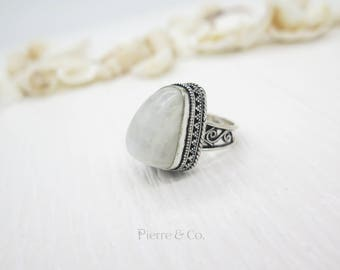 Antique Moonstone Sterling Silver Ring (Size 9)