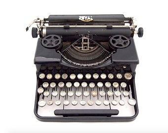 Royal Portable model P Typewriter, 1927, black typewriter, royal typewriter, working typewriter, vintage typewriter, qwertz.