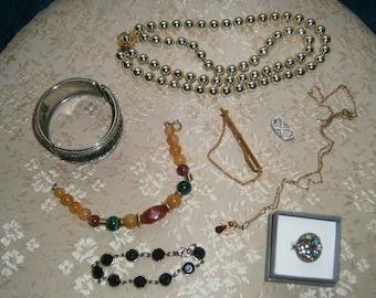 Vintage/Costume Jewelry Lot