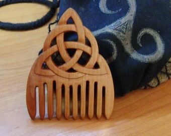 Triquetra wooden comb Witch tools Witchcraft Wicca wiccan tools Wood comb Celtic style celtic triquetra accessory Ritual eco friendly