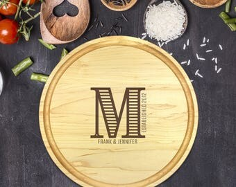 Custom Round Cutting Board, Personalized Round Cutting Board, Wedding Gift, Gift for Couple, Bridal Shower Gift, Christmas, Name, B-0095