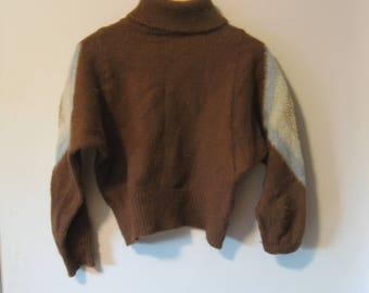BROWN 70's TURTLENECK