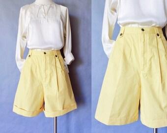 vintage shorts/ cuffed shorts/ high waist shorts yellow women's size M/L