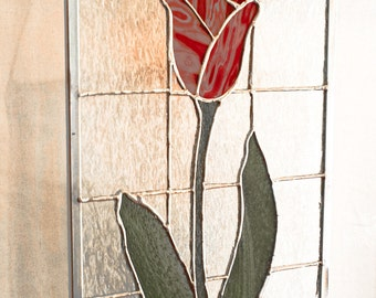 Tulip Sun Catcher, Flower Sun Catcher, Red Tulip, Stained Glass Pael