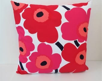 Double sided 18'' cushion cover PEINI UNIKKO, handmade from MARIMEKKO cotton fabric. Pillow size 45x45 cm (18''x18'')