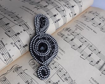 Music Note Jewelry Clef music jewelry Music brooch Music jewelry Black and silver brooch Music teacher gift Zipper brooch Zipper jewelry