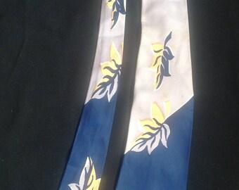 1950s Vintage Mens Tie / 50s patterned Tie