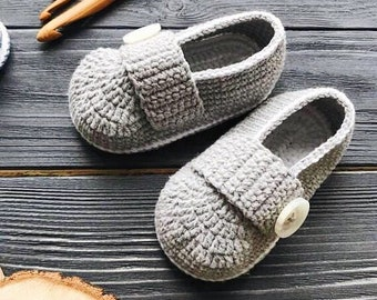 Gray Baby mocassins Baby reveal box Baby moccasins Baby uggs Baby moccs Baby sandals Soft sole baby shoes All baby sizes Baby handmade shoes