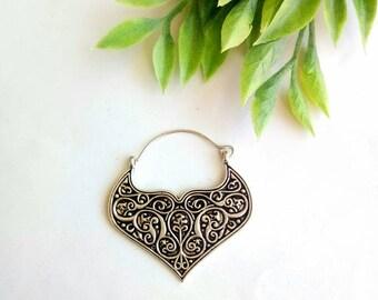 Hoop Earrings, White Metal Earrings. Brass Earrings, Boho Earrings. Hoop silver Earrings. Geomtric Earrings, Geometric Earrings.  Silver