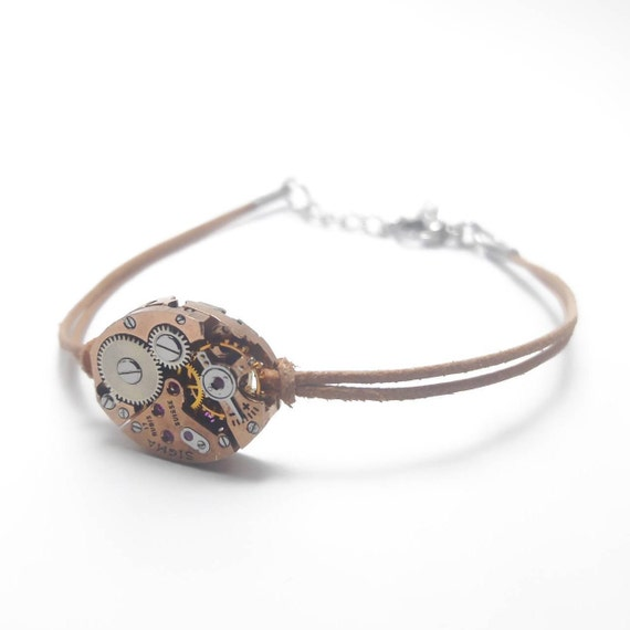 Women bracelet leather nude color watch mechanism with rose gold