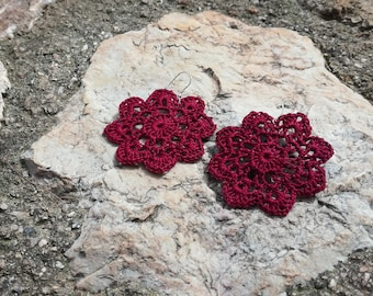 Sunny - Crochet Flower Earrings in purple