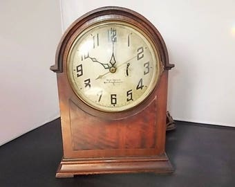 """Antique Electric Mantel Clock by New Heaven/Westinghouse """"Mentor"""" Cathedral- Gothic Style"""