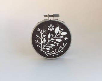 """White Vines 3"""" Embroidered Hoop 