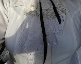 white/cream/green lace jabot
