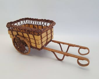 Vintage Decorative Wicker Buggy Carriage Basket Planter Home Decor Farm Farming Farmhouse Decoration Rustic Boho Bohemian