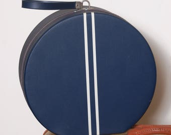 Vintage 60s round suitcase / navy blue hatbox / vintage luggage / train case