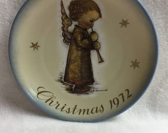 Schmid Bros. Sister Berta Hummel Angel Christmas Plate (#025)