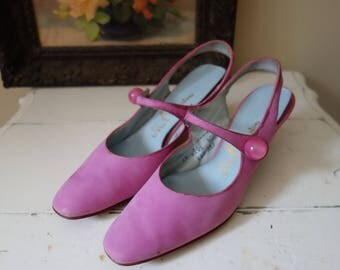 Vintage 1960s Shoes Pink Kitten Heels Midcentury Accessories Mr. Easton Kitsch Party Heels