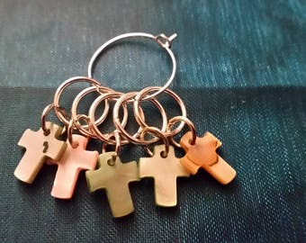 """5 """"Crosses"""" Progress Keepers, Stitch Markers"""