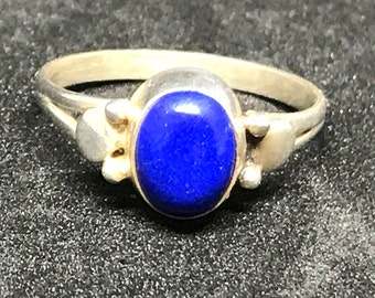 Sterling SIlver and Lapis Lazuli Ring