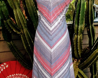 1970's sleeveless chevron print soft and silky polyester zip up a-line dress size M