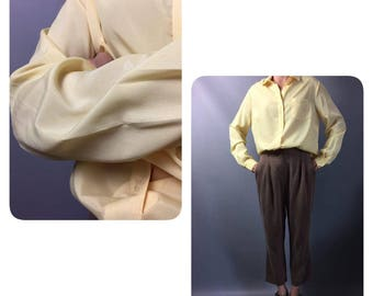 Yellow blouse 1970s Vintage blouse Medium  Long sleeve blouse Office blouse Womens shirt 70s blouse Secretary blouse Vintage top Lemon shirt