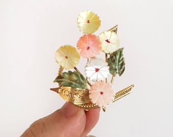 Vintage Carved Shell Flower Brooch - pastel and gold - pin fashion jewellery jewelry #0540