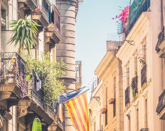 Barcelona Backstreets - Barcelona Photography - Barcelona - Architecture - Fine Art Photography - Travel - Title: Barcelona Backstreets