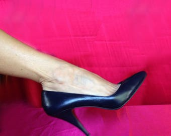 Navy blue high heel pumps. Size 9.5