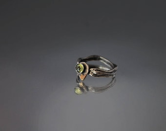 Free Shipping!!! Unique Silver ring with Peridot - Keum Boo Silver ring with natural stone