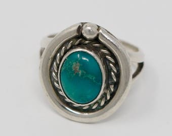 Vintage Southwestern Sterling Silver and Turquoise Ring SIZE 6