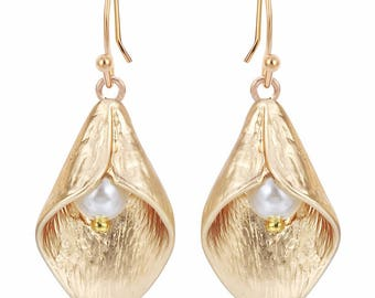 Calla Lily and Pearl Drop Hook Earrings