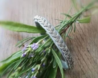 Sami Baltic blue leather and silver Tin 7% thread bracelet