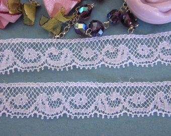 """3 meters of fine French Calais lace white """"Valenciennes"""""""