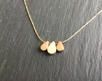 Necklace fine fashionable 3 drops plated yellow gold and pink