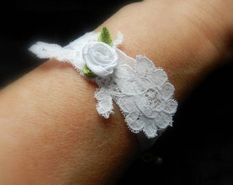 Romantic bracelet for bridal organza and lace, white color