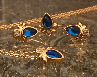 Jewellery set with blue stone