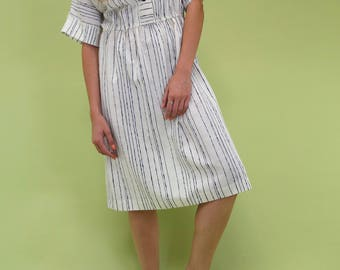 Beautiful vintage ivory dress with navy stripes SIZE M