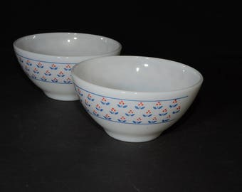 Milk Glass, Dynaware, Pyr-O-Rey, Flower Pattern, 2 cereal bowls, in great vintage condition, Vintage, pyrorey