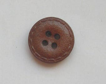 2 buttons round brown leather 18 mm with four holes