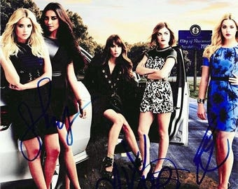 Script screenplay  Pretty Little Liars   Cast Signed Cover ( printed not hand signed) Plus free gift