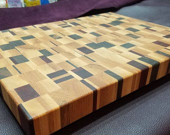 Chaotic end grain cutting board