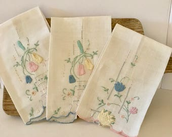 Antique Embroidered Hand Towels. Vintage Hand Towels Set of 3. Antique Guest Bath Hand Towels. Vintage Embroidered Hand Towels. Hand Towels