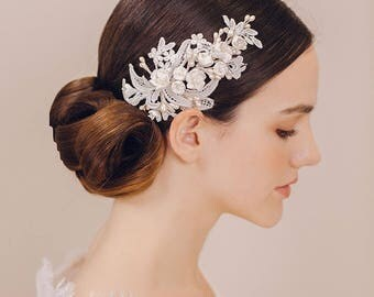 White flower lace bridal hair pin- clay flower- lace leaves- pearl flower- wedding head accessories